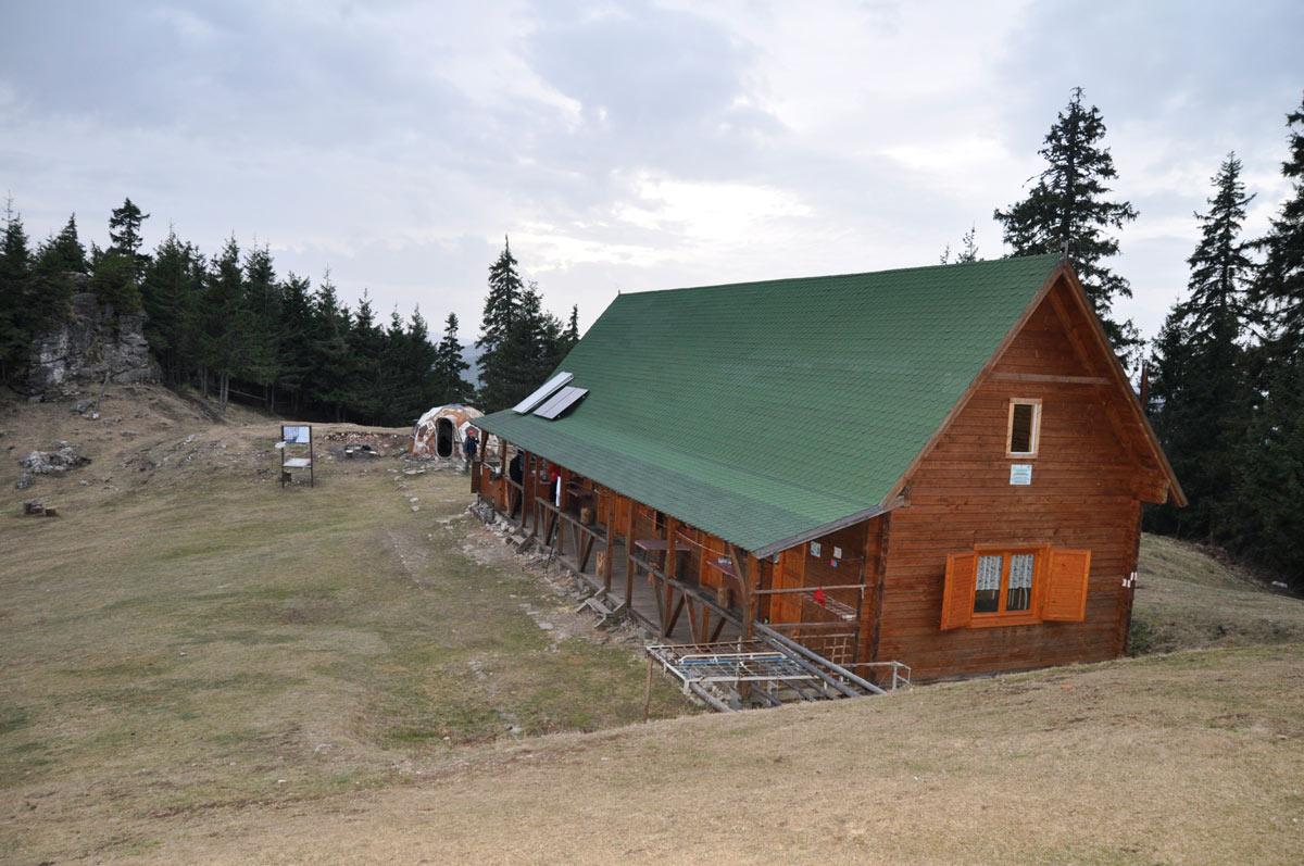cabana piatra singuratica