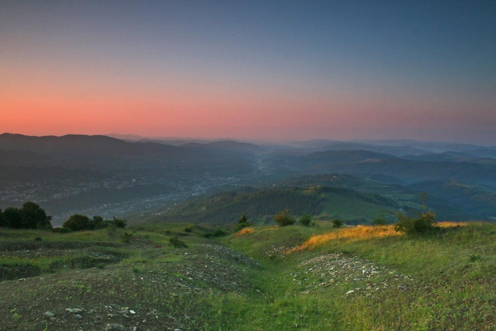 valea prahovei și comarnic văzute imediat după răsărit