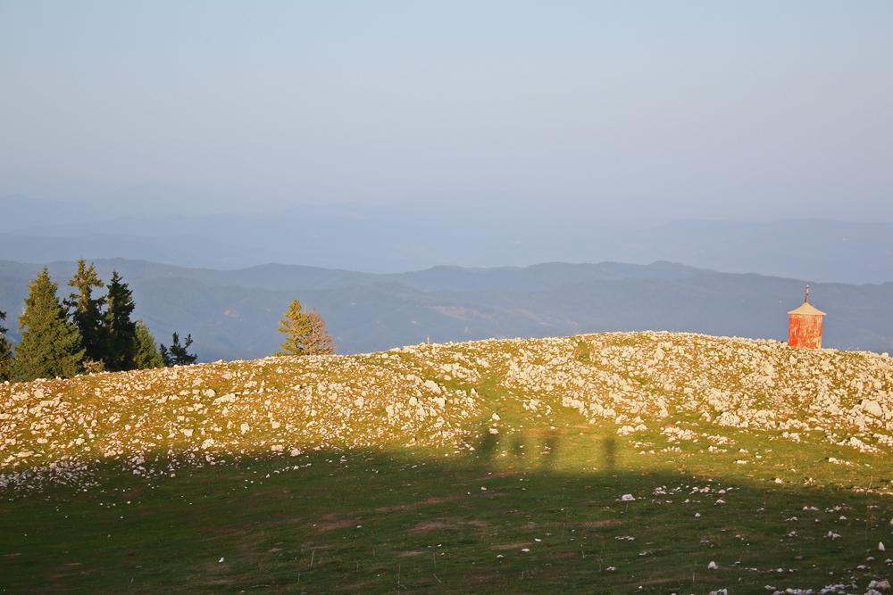 troița de pe muntele piatra