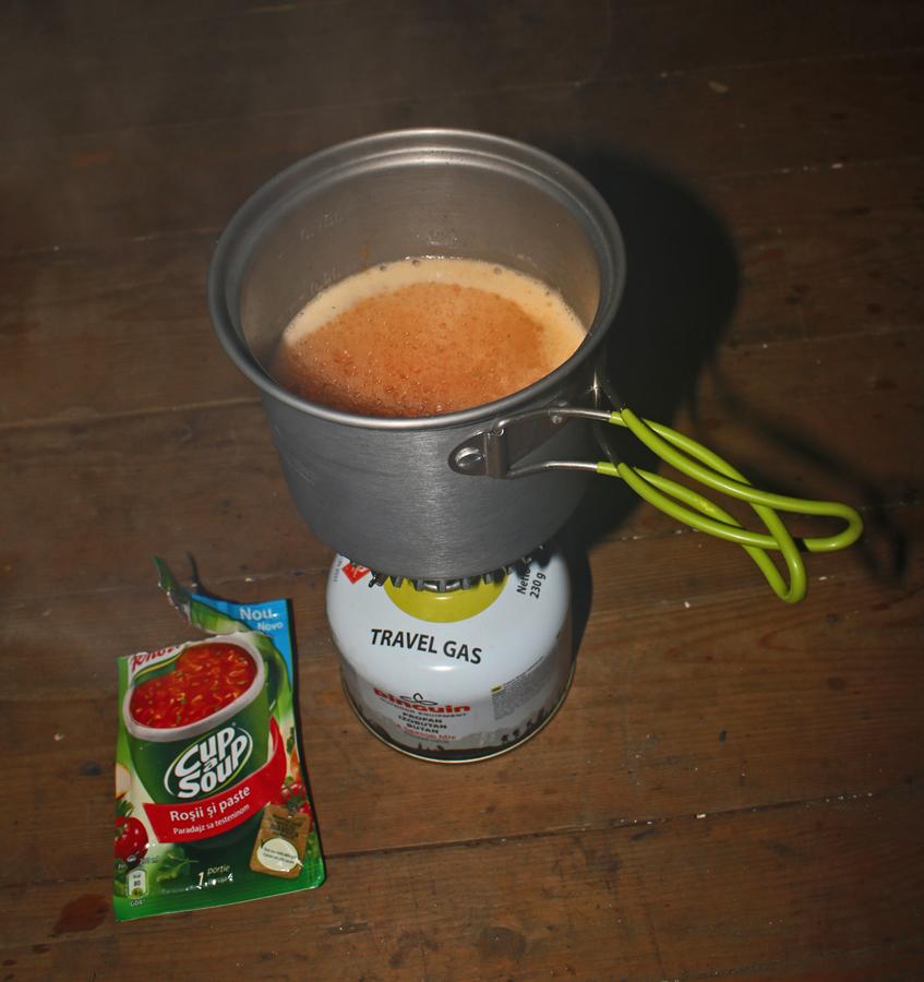 Supă la primus