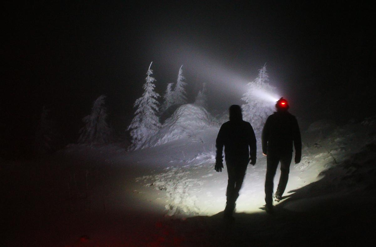 Noapte de iarnă pe platou în Ceahlău