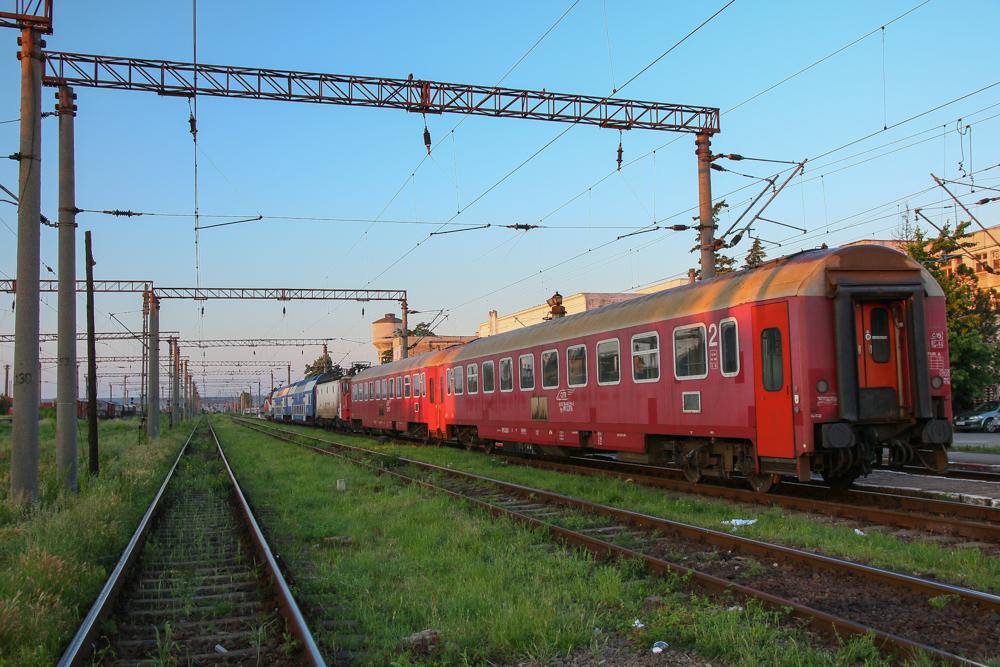 Trenuri în gara Târgu Jiu