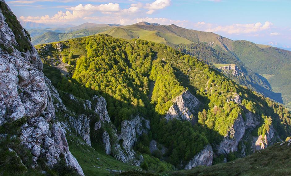 Creasta munților Cernei